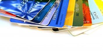Produto pago em dinheiro e cartão de crédito poderá voltar a ter preços diferentes