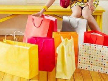 Mulheres dominam as compras online no segmento de moda e beleza